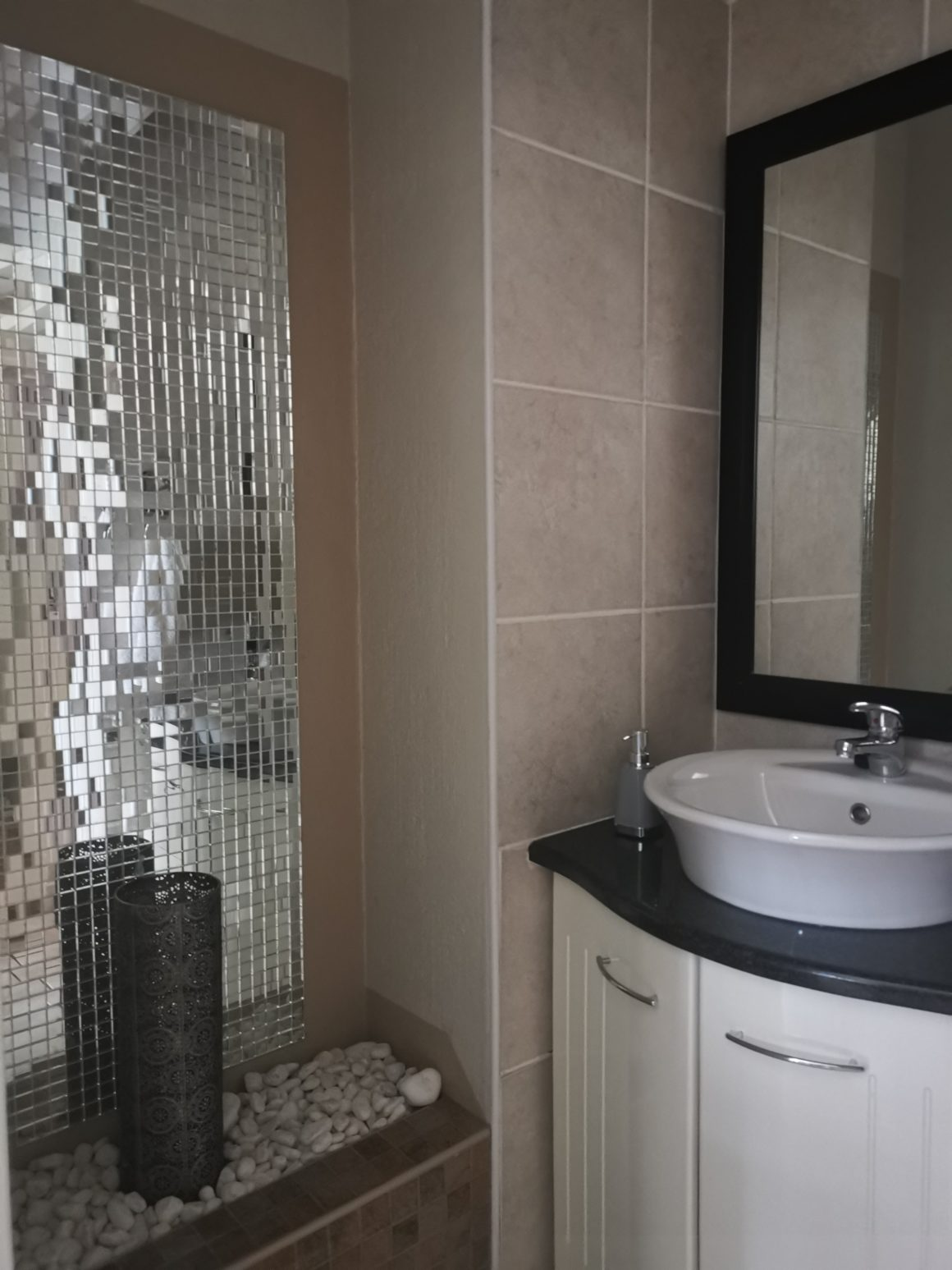 No 2 Superior King XL En Suite With Pool View